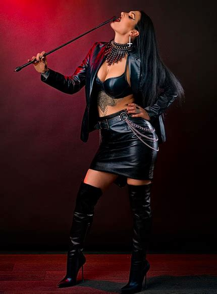 Feature Interview – Mistress Damazonia | Domme Addiction