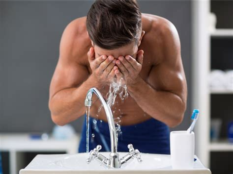 How many times a day should I wash my face - Business Insider