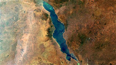 Space in Images - 2010 - 10 - Lake Malawi, Great Rift Valley