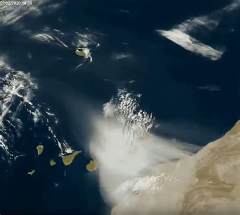 Canaries engulfed by sandstorm • Madeira Island News