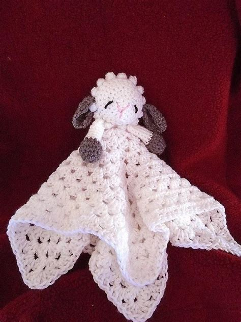 763 LITTLE LAMB BABY SNUGGLE BLANKET Crochet pattern by