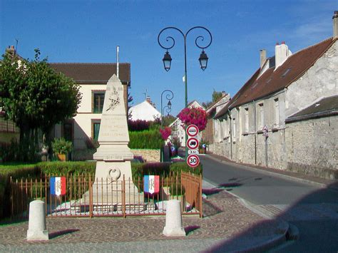 Le Mesnil-Amelot – Wikipedie