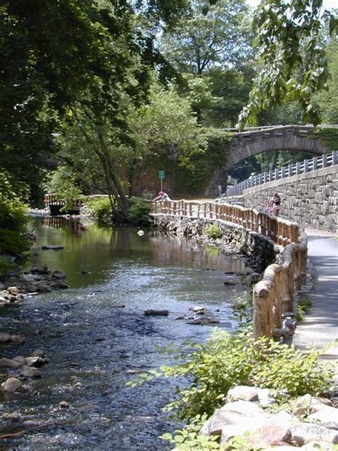 Hartsdale, NY : Bronx River photo, picture, image (New